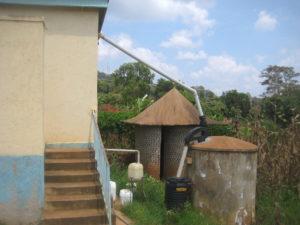 Toilet facility with urine collection and rainwater harvesting, Uganda. Photo: Nelson Ekane / SEI.